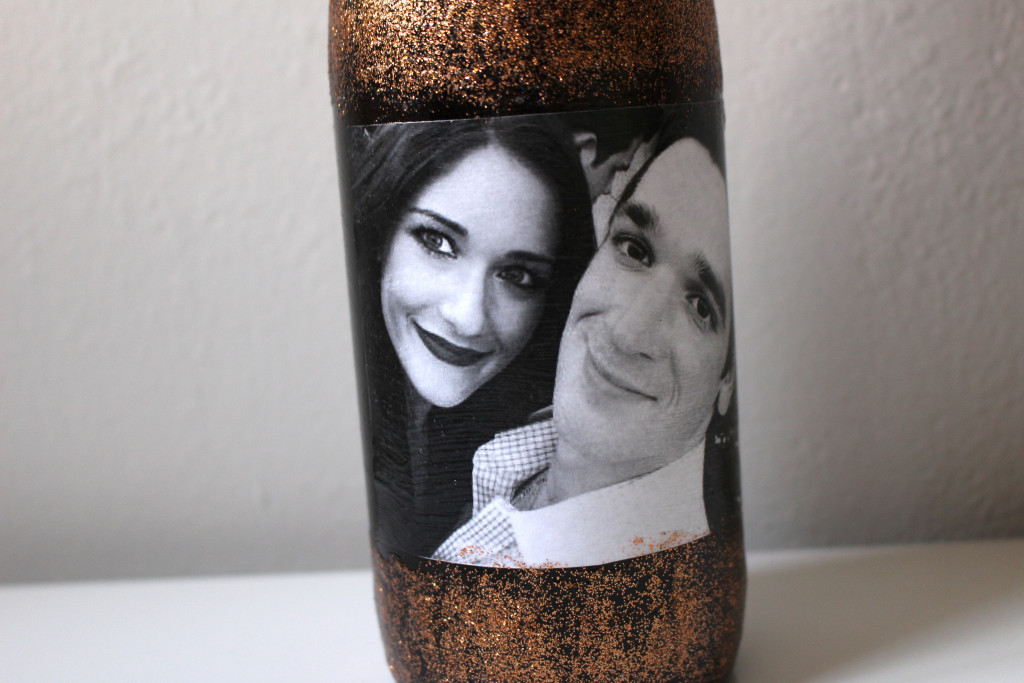 DIY Photo Collage Wine Label by Twinspiration at http://twinspiration.co/diy-wine-label/