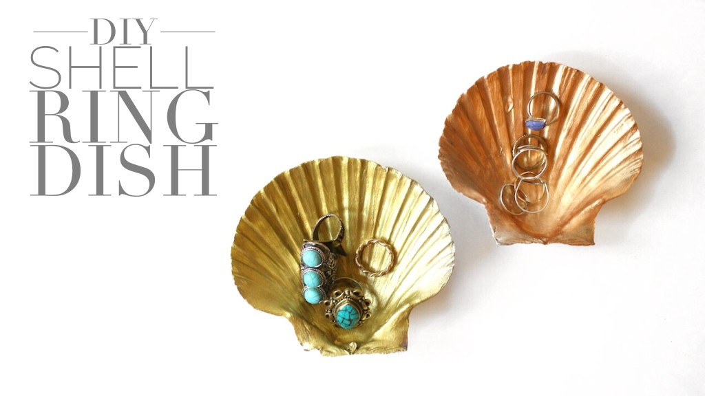 DIY Shell Ring Dish by Twinspiration: http://twinspiration.co/diy-shell-ring-dish/