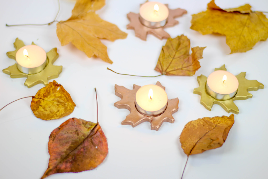 DIY Metallic Leaf Tealight Candle Holders by Twinspiration