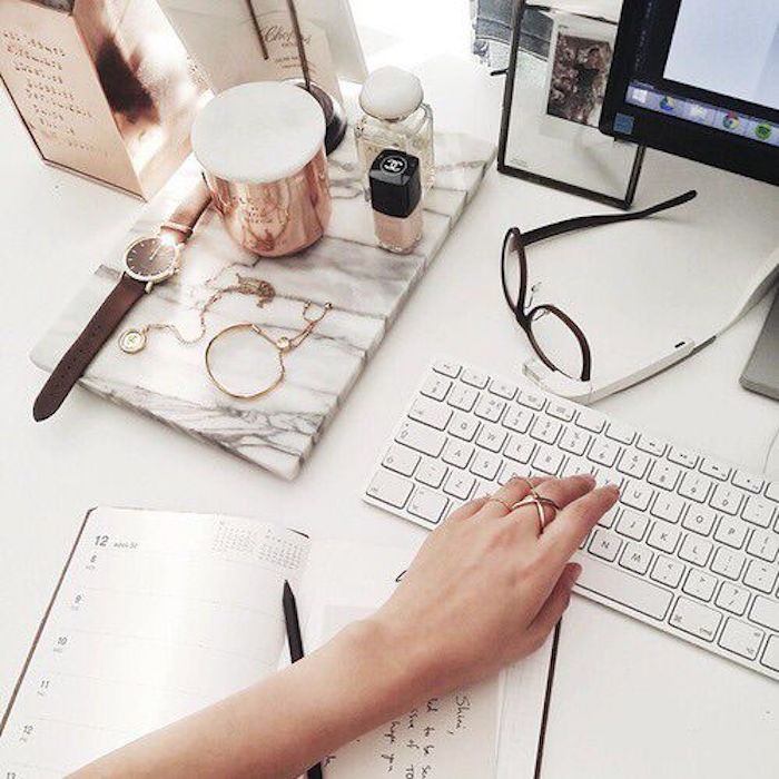 8 Tips For Staying On Top Of Your Emails