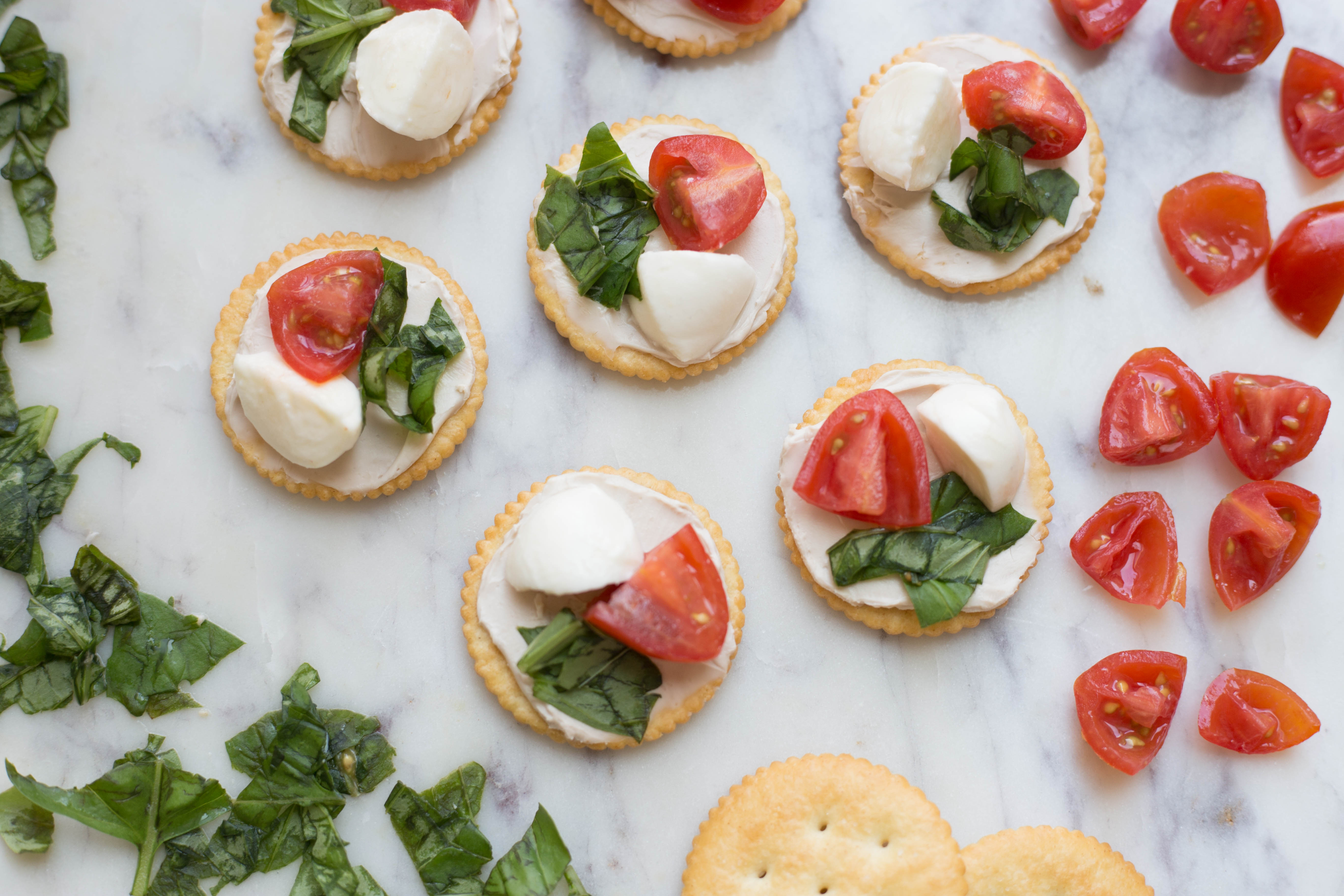 Simple Spring Caprese Appetizer | Twinspiration