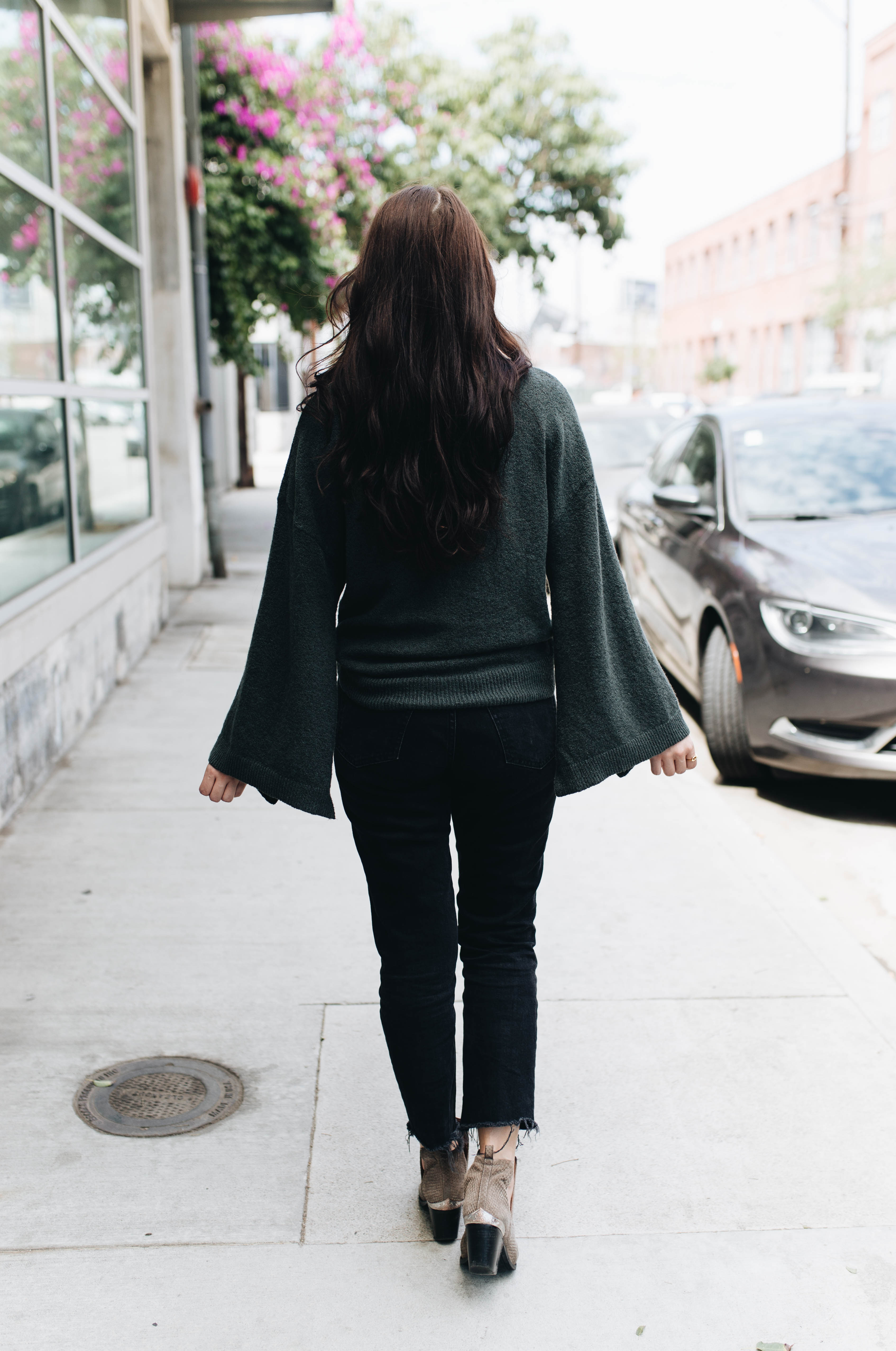 Bell Sleeves & Boots | Twinspiration